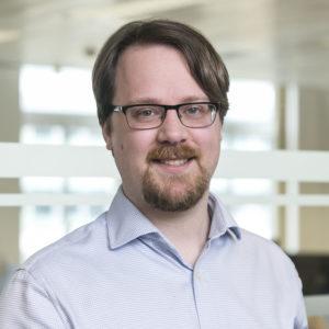 Joe Ewens GamblingCompliance moderating panel on blockchain and gambling